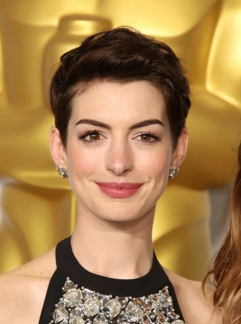 Astonishing Celebrity Short Brown Pixie Cut From Anne Hathaway Styles Weekly Hairstyles For Women Draintrainus
