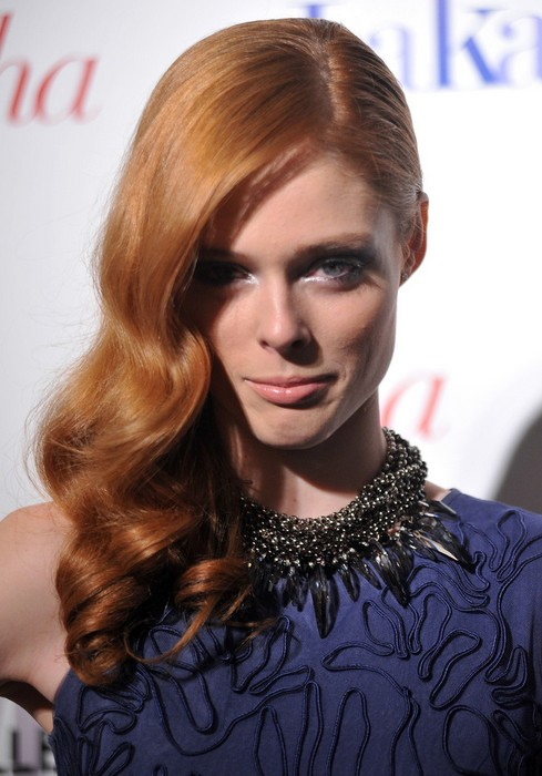 Coco Rocha Retro Side Sweep: Long Hair