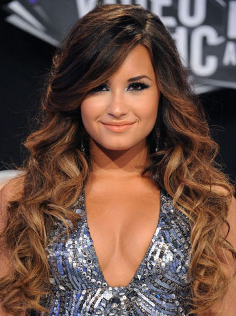 Demi Lovato Hair: Curly Hair