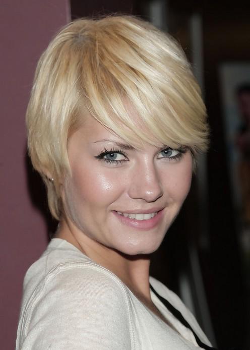 Elisha Cuthbert Cute Short Pixie Cut with Side Bangs