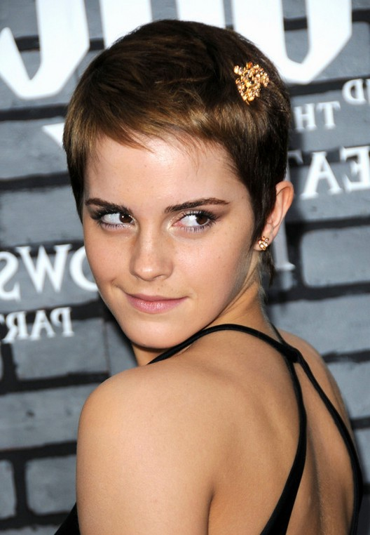 Emma Watson Cute Short Pixie Haircut for Summer