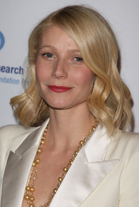 Gwyneth Paltrow Wavy Hairstyle
