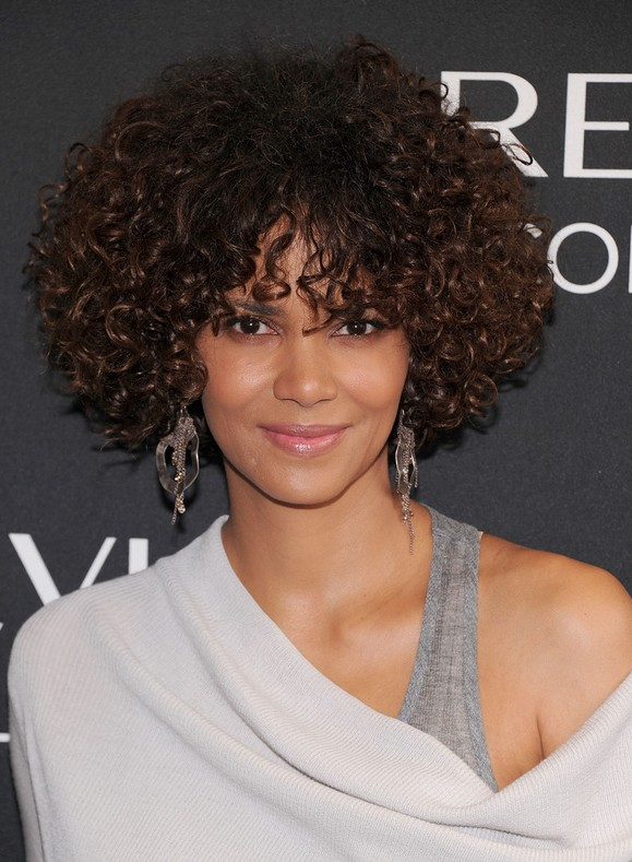Admirable Halle Berry Short Curly Hairstyles For Oval Faces Styles Weekly Hairstyles For Women Draintrainus