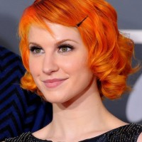 Hayley Williams Short Red Curly Hairstyle for Women