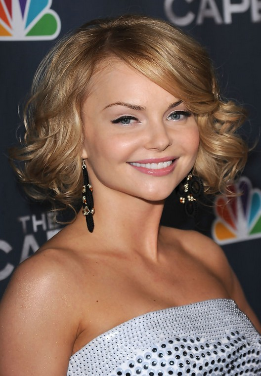 Izabella Miko Short Blonde Curly Hairstyle With Side Swept Bangs For