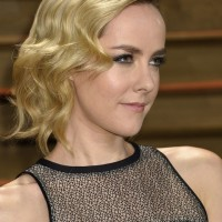 Jena Malone Short Finger Wave Hairstyle