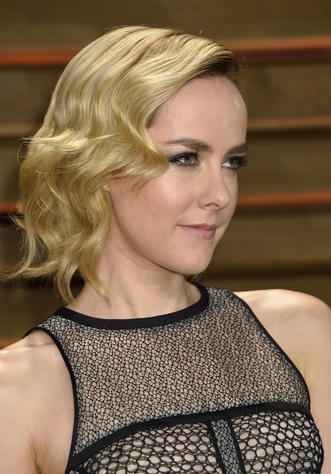 1930 S Finger Wave Hairstyle For Women Jena Malone S Short Haircut