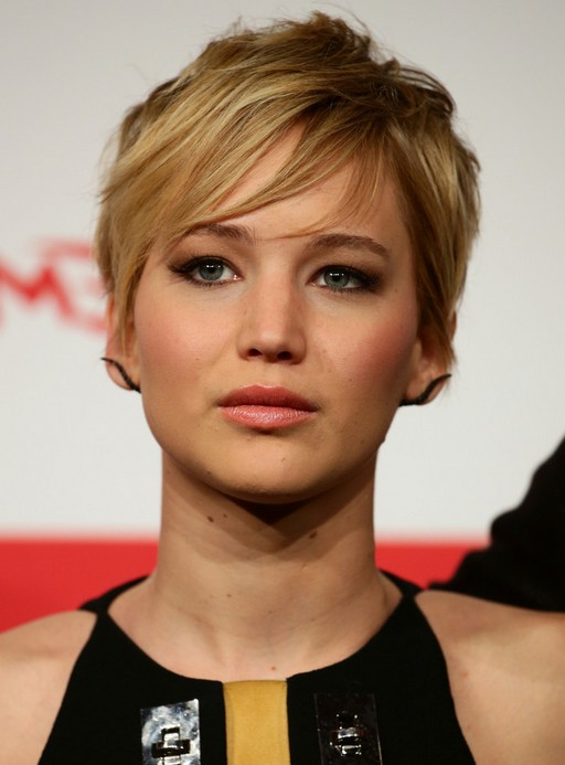 Jennifer Lawrence Layered Short Haircut with EMO Bangs ...