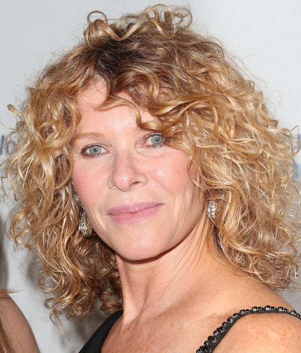 Kate Capshaw Curly Medium Haircut for Women Over 50 ...