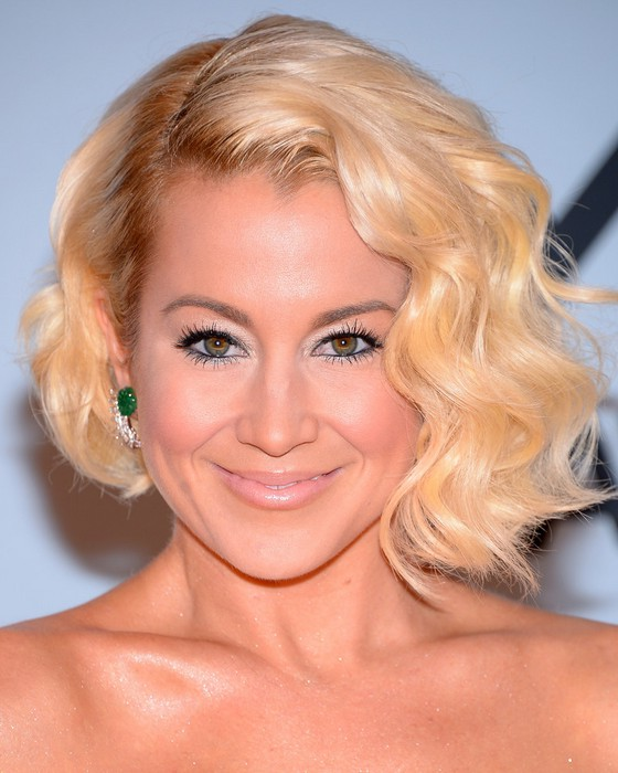Kellie Pickler Retro Glam Short Finger Wave Hairstyle with Bangs ...
