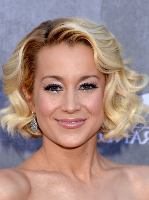 Kellie Pickler Short Blonde Curly Bob Hairstyle for Prom