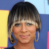 Keri Hilson Short Haircut: Trendy Straight Bowl Cut with Long Bangs