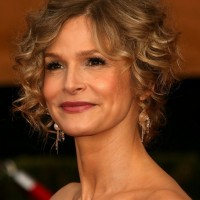 Kyra Sedgwick Short Curly Hairstyle for Wedding