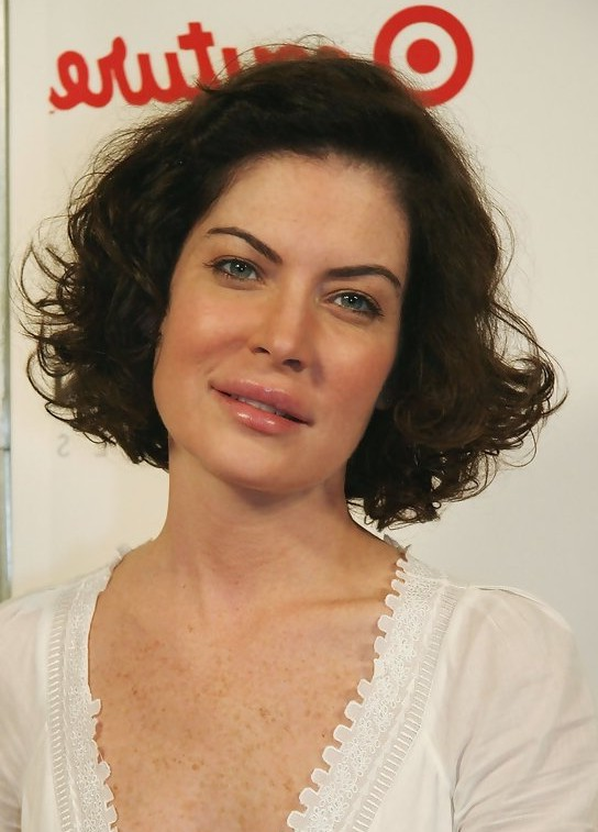 Lara Flynn Boyle Short Curly Bob Hairstyle for Women Over 40