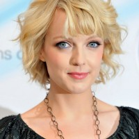 Lauren Laverne Casual Short Blonde Curly Hairstyle for Oval Faces