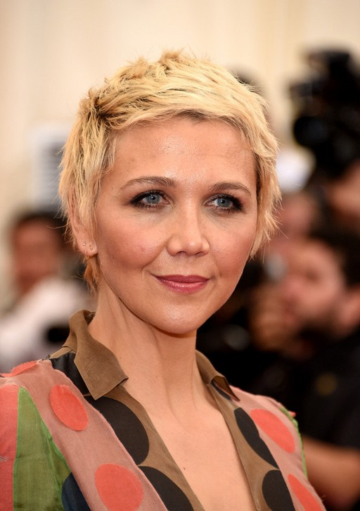 Maggie Gyllenhaal Boyish Edgy Short Blonde Pixie Cut for Women /Getty ... мэгги джилленхол