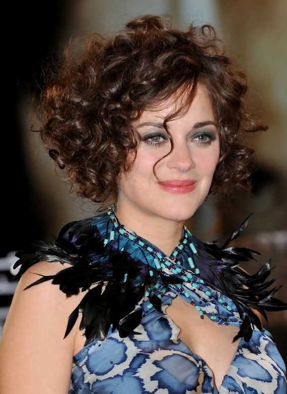 Marion Cotillard Hairstyles Short Brunette Curly Hairstyle For Mature Women Styles Weekly