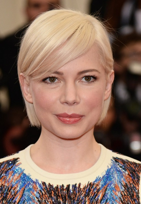 Michelle Williams Side Parted Short Straight Haircut with Bangs