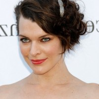 Milla Jovovich Chic Short Curly Bob Hairstyle for Wedding