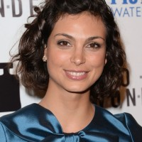Morena Baccarin Haircut: Short Curly Bob Hairstyle for Round Faces