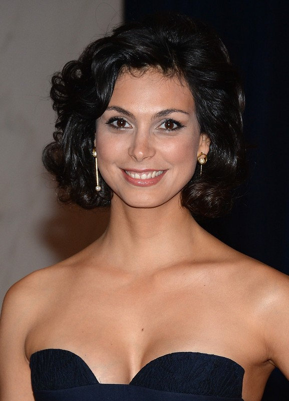 Morena Baccarin Haircut Short Curly Haircut For Round Face Shapes
