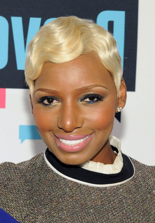 NeNe Leakes Short Blonde Finger Wave Hairstyle for Black Women | Styles Weekly