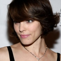 Rachel McAdams Short Dark Brown Hairstyle with Side Swept Bangs