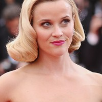 Reese Witherspoon Short Retro Wavy Curly Hairstyle
