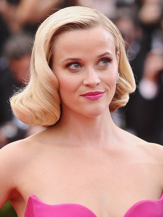 Reese Witherspoon Hairstyles Short Retro Wavy Curly Hair