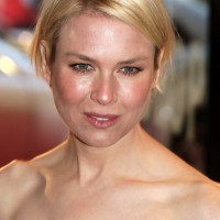 Renee Zellweger Haircut: Short Graduated Bob Haircut for Round Faces