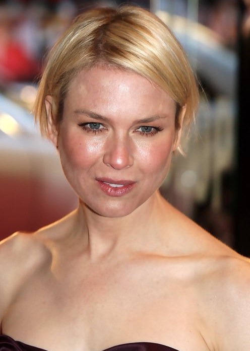 Renee Zellweger Haircut: Short Graduated Bob Haircut for Round Faces ...