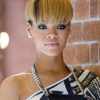 Rihanna Short Straight Bowl Cut