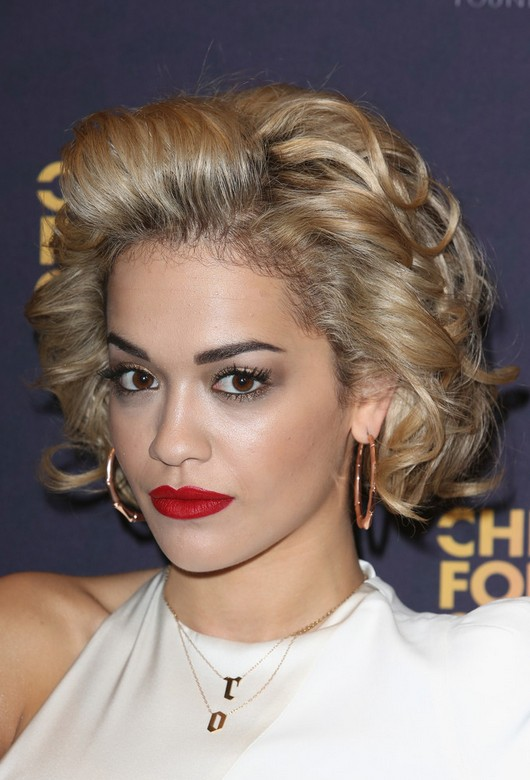 Rita Ora Short Curly Hair Style With Layers Styles Weekly