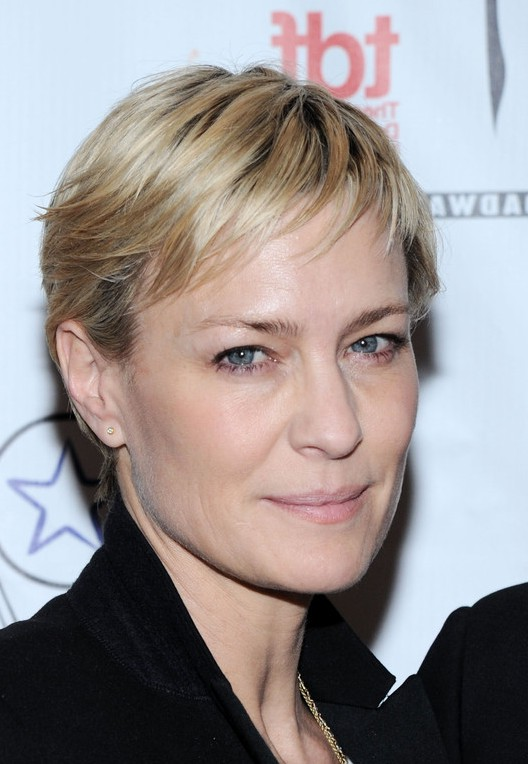 Robin wright short straight pixie cut for women over 40 getty images