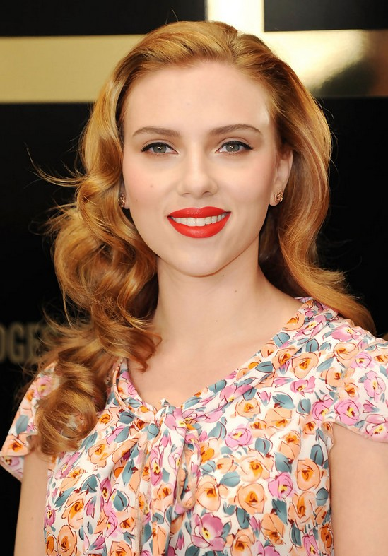 Scarlett Johansson Curly Hairstyle