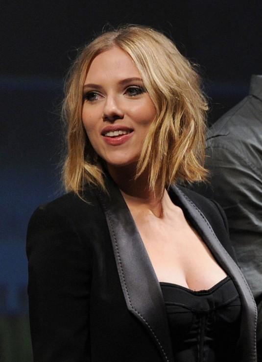 Scarlett Johansson Short Bob Hairstyle