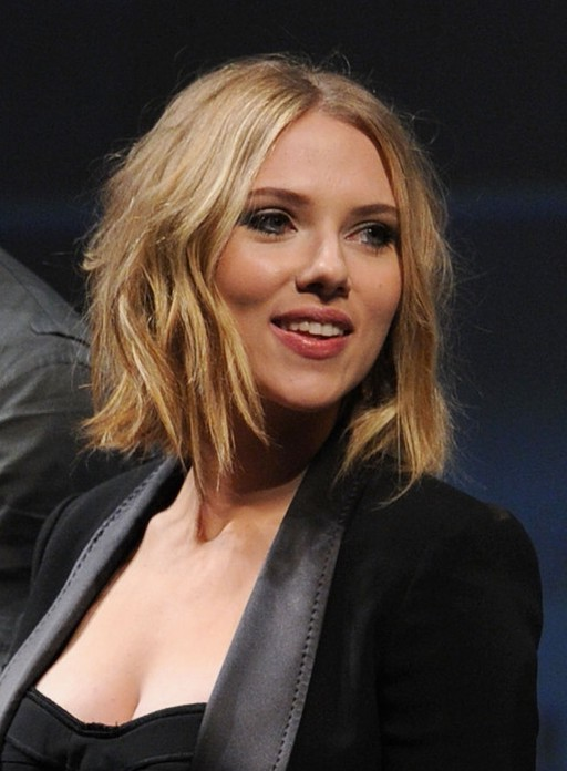 Scarlett Johansson Short Tousled Messy Wavy Hairstyle Styles Weekly