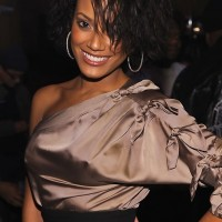 Selita Ebanks Short Messy Wavy Bob Haircut for Black Women