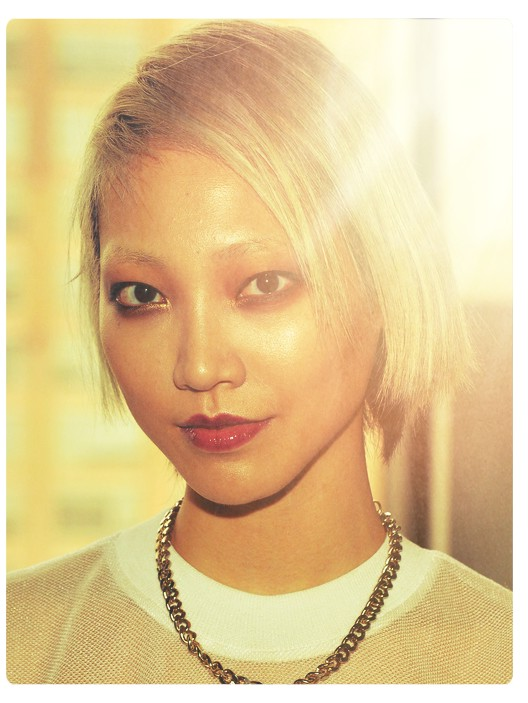 Short hairstyles styles weekly soo joo park side parted short straight haircut winobraniefo Image collections