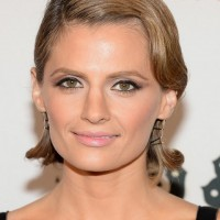 Stana Katic Finger Wave Hairstyle for Round Faces