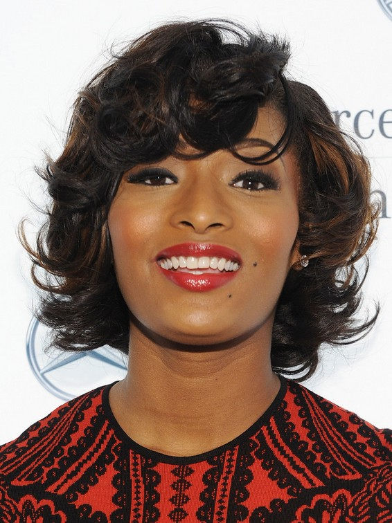 Toccara Jones Big Wavy Curly Hairstyle For Round Faces