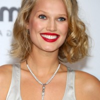 Toni Garrn Short Blonde Curly Bob Hairstyle for Summer