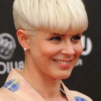 Trendy Short Blonde Bowl Cut - Mushroom Haircut for Women