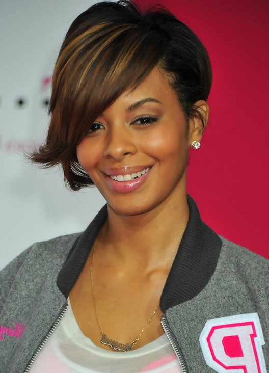 Vanessa Simmons Highlighted Short Inverted Bob Haircut with Long Bangs    Vanessa Simmons Bob Hairstyles