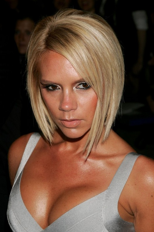 Victoria Beckham Beach Blonde Short Inverted Bob Haircut Styles Weekly