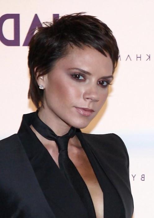 Victoria Beckham Trendy Short Boy Cut for Women
