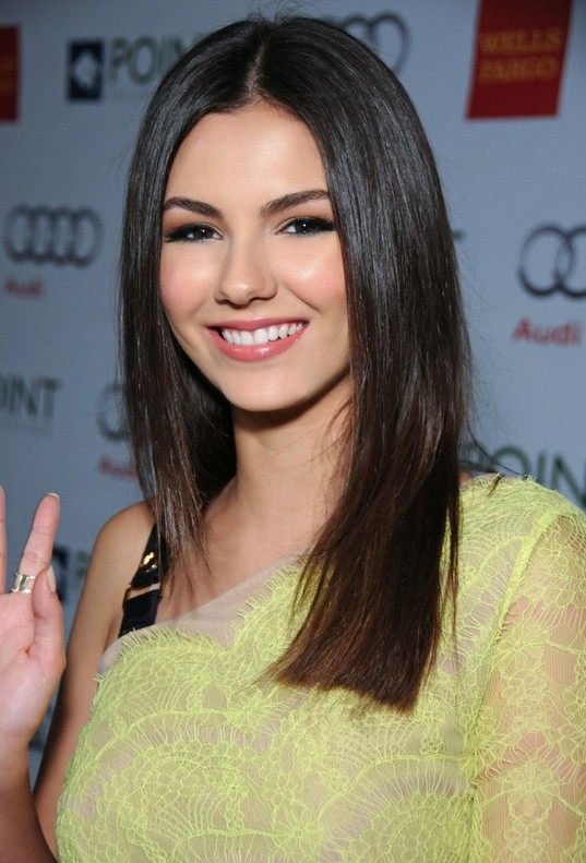 Victoria Justice Long Straight Hairstyles