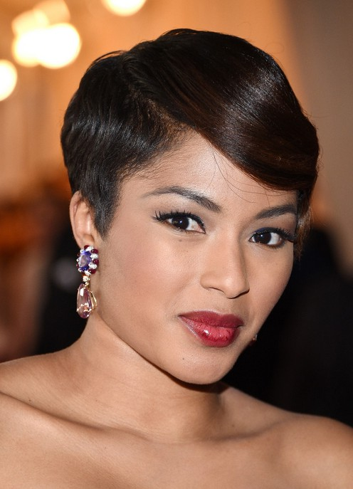Alicia Quarles Side Parted Short Cut with Bangs - Formal ...