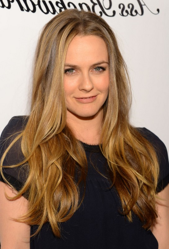 Alicia Silverstone Long Hairstyle with Soft Waves | Styles Weekly