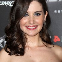 Alison Brie Medium Wavy Curly Hairstyle with Side Swept Bangs